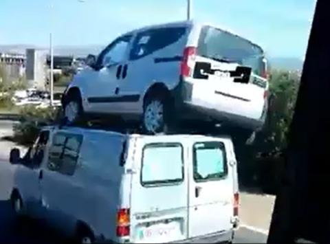 mobil naik mobil 1